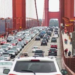 voitures-americaines-golden-gate-californie