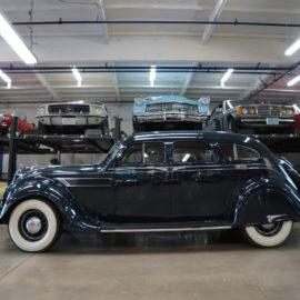 g-t-Chrysler-Imperial-Airflow-324-8-cyl-4-Door-Sedan-1935-1